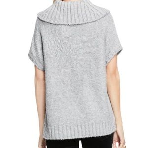 20ea02783999 Two by Vince Camuto Sweaters - NWT Vince Camuto Short Sleeve Turtleneck  Sweater